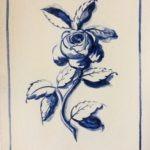 fleur bleue peinte à la main avec de vrais pigments