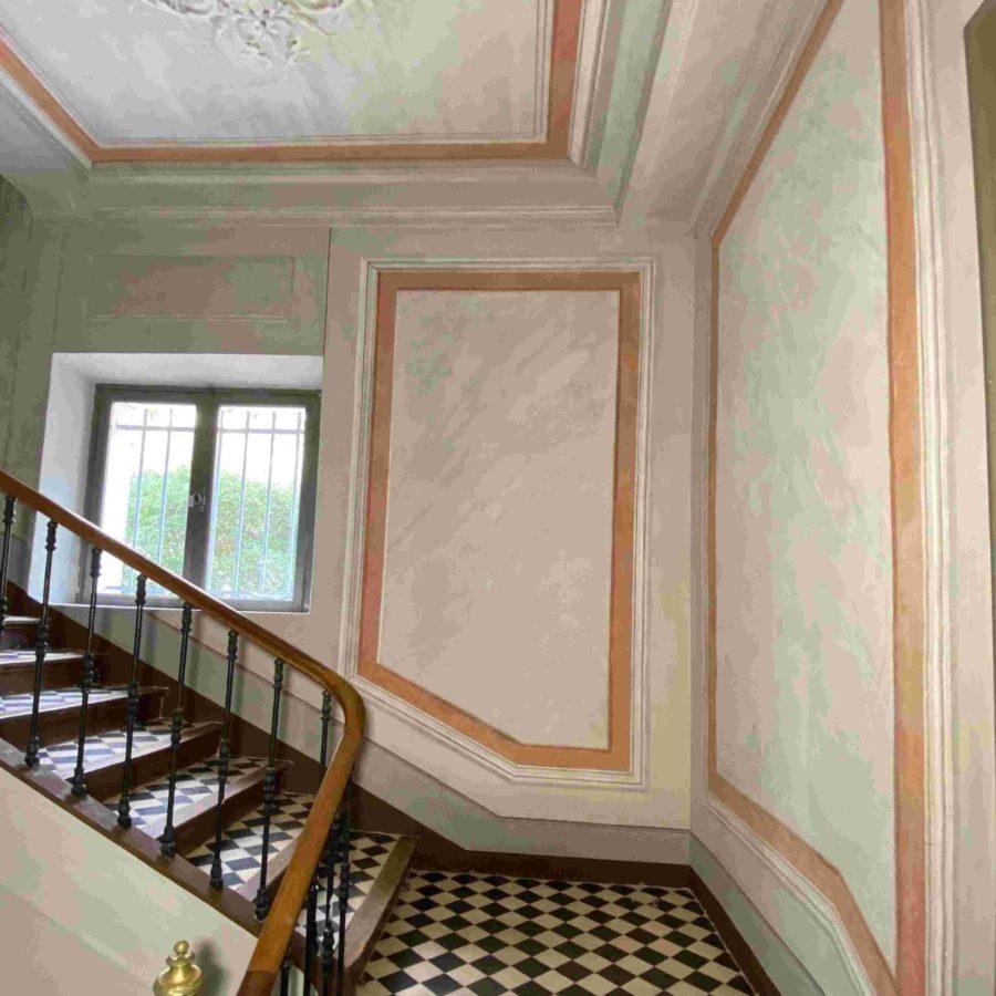 escalier décor peint faux marbres